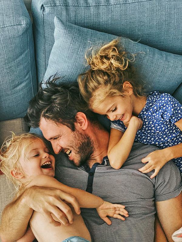 Илья Котляр с дочерьми