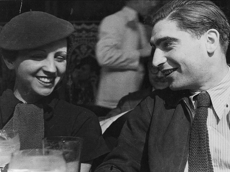 Фред Штайн. Герда Таро и Роберт Капа в Париже. 1936 год. Фото: Fred Stein Archive